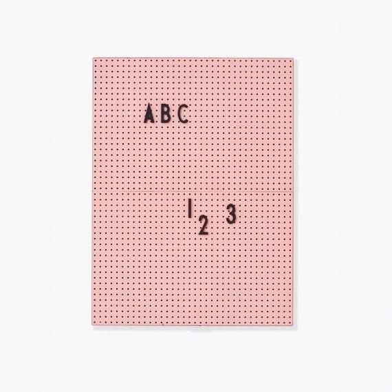לוח נעיצה A4 ורוד