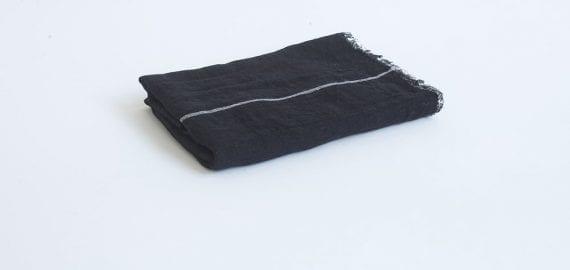 צעיף פשתן שחור פס לבן