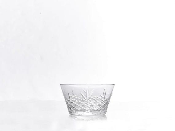 קערית זכוכית מספר 2