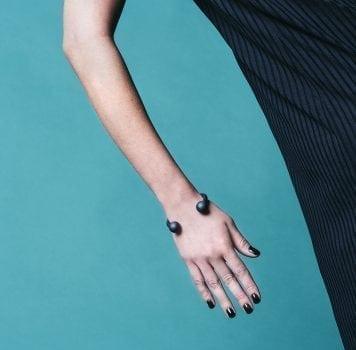 תמה שופ תכשיטים - צמיד קרולינה שחור