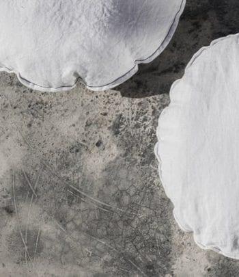 כרית פשתן עגולה אפור סטון ווש קוטר 45