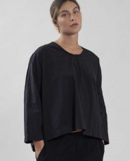 HILA FEINBERG הלה פיינברג FW21 חולצת אריג רחבה שחורה (3)